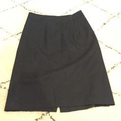 Black banana republic pencil skirt 0 Gently used! Excellent condition Banana Republic Skirts Pencil