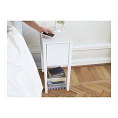 IKEA - NORDLI, Nachttafeltje met draadloos opladen, , Je kan je smartphone eenvoudig draadloos opladen - leg hem gewoon op de ingebouwde lader, dan begint het opladen.Je kan 2 eenheden tegelijk opladen, omdat de lader ook een USB-poort heeft.Het snoer van de lader kan worden weggewerkt in de uitsparing in de tafelpoot.De losse ladeinzet helpt je alle kleine spulletjes netjes op orde te houden.