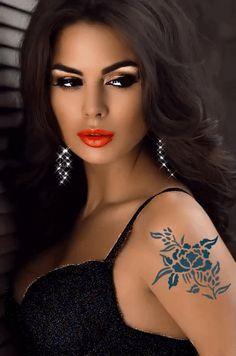 Source by beautiful gif Beautiful Gif, Most Beautiful Faces, Beautiful Women, Beau Gif, Chica Fantasy, Fantasy Art Women, Brunette Beauty, Interesting Faces, Woman Face