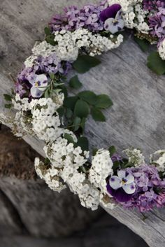 White and lilac would make a fragrant summer wreath.