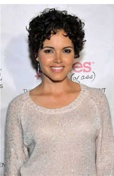 30 Curly Hairstyles for Short Hair-1