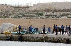 Coast Guards, Navy patrols, ships rescue 500 migrants in Lampedusa shipwreck - http://theeagleonline.com.ng/news/coast-guards-navy-patrols-ships-rescue-500-migrants-in-lampedusa-shipwreck/