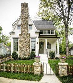 Rustic Cottage House Exterior Design Ideas To Copy 03 - Haus Ideen Style Cottage, Cottage Plan, Rustic Cottage, Cottage Homes, Swedish Cottage, Farm Cottage, Best White Paint, White Paint Colors, Grey Paint