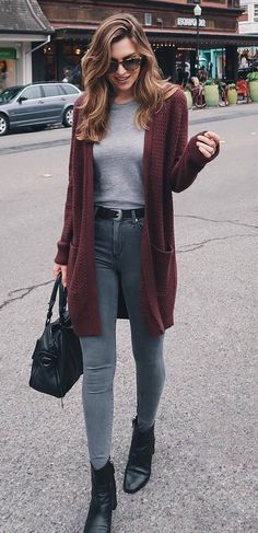 f73ccb3867 how to wear a maroon cardigan   tee + bag + skinnies + boots Winter Fashion