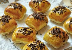 Donut Recipes, Cake Recipes, Resep Cake, Bakery Menu, Breakfast Bites, Pudding Desserts, Pastry And Bakery, I Foods, Easy Meals