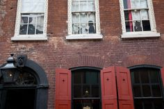 Located at 18 Folgate Street, a short walk from the Spitalfields Market, is a very different museum that was recommended to me by two different people. Created by Dennis Severs who died in 1999, this is a very unique place that totally stimulates your senses. #globalphile #travel #tips #destinations #lonelyplanet #london #uk #england #international #vacation #museum #art #design #architecture http://globalphile.com/destination/london-england/