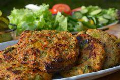 Troll a konyhámban: Fűszeres cukkinis pulykaburger - paleo Tandoori Chicken, Salmon Burgers, Smoothies, Healthy Recipes, Healthy Food, Meals, Troll, Ethnic Recipes, Drink