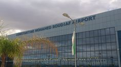 1.11.2013 - Constantine - Façade principale de l'aéroport Mohamed Boudiaf
