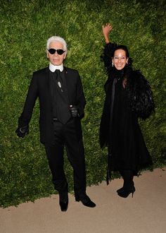FAUX FUCHSIA: People who Dress Like Mrs Danvers.