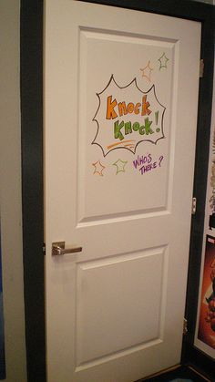 Did you know there is DRY ERASE PAINT? Here is an idea for a teen bedroom door