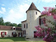 17e Eeuws landhuis gelegen in parkachtige tuin met privé zwembad. Op slechts 8 km van de aantrekkelijke plaats Perigueux.