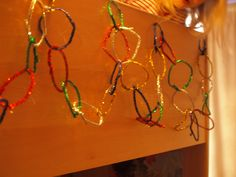 christmas ornaments for kids to make | Easy Christmas decorations for kids to make using pipe cleaners.