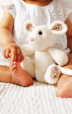 Crochet Mouse in Debbie Bliss Rialto - - Leaflet. Discover more patterns by Debbie Bliss at LoveCrafts. From knitting & crochet yarn and patterns to embroidery & cross stitch supplies! Shop all the craft materials you need to start your next pr Knitting Blogs, Knitting Projects, Crochet Projects, Knitting Patterns, Crochet Patterns, Free Knitting, Crochet Mouse, Crochet Bunny, Crochet Yarn