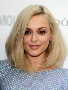 A long blonde straight coloured Fearne Cotton womens hairstyle by Celebrity Hairstyles Celebrity Wigs, Celebrity Hairstyles, Fearne Cotton Hair, Langer Bob Blond, Medium Hair Styles, Short Hair Styles, Straight Hairstyles, Cool Hairstyles, Long Bob Blonde