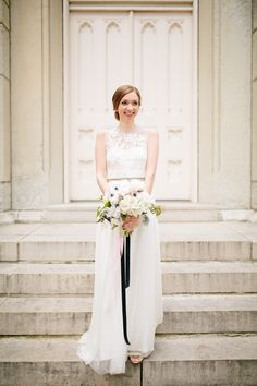 Lauren Lapkus wedding dress