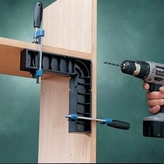 Clamp-It Assembly Square - Align it, clamp it, and fasten it to get perfect 90° angles every time!