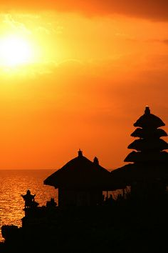 Sunset behind Tanah Lot temple, Bali, Indonesia