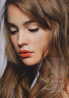 orangey red lip