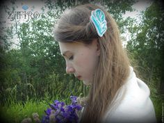 """Купить Заколка (повязка на голову) из бисера """"Перо"""" голубая, для невесты - бирюзовый, украшение из бисера"""