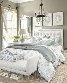 Elegant White And Clear Master Bedroom Ideas (33)