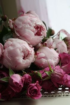 Gorgeous Peonies and Pink Roses, my favourite.