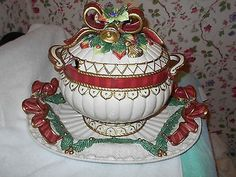 Fitz and Floyd Snowy Woods Soup Tureen Christmas Pattern with Underplate