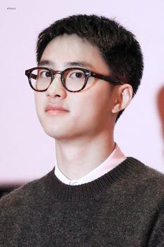 Kyungsoo, Makeup Vs No Makeup, Exo Group, Hello My Love, Handsome Korean Actors, Chansoo, Exo Ot12, Kim Minseok, Kind Person