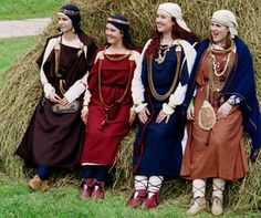 These ones are Finnic costumes (Livonian, Estonian, Finnish) (what Finns would have worn during the Viking times, bronze age)