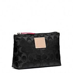 LEGACY WEEKEND NYLON MEDIUM COSMETIC CASE