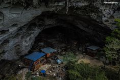 China's Last Cave Dwellers Fight to Keep Their Underground Homes vis-photo, Caves and Caverns Usa Tv, Wooden Window Frames, Latest World News, News Latest, Underground Homes, Ny Times, Cave, Remote, Asia