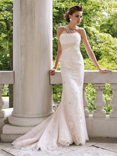Vestido de noiva tomara-que-caia corte reto. Da Tutti Sposa.