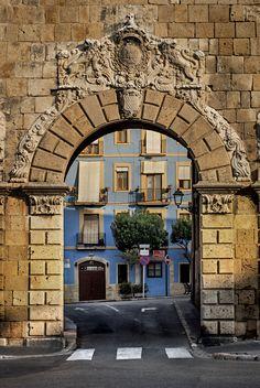 "saenzdesantamaria: "" The old gate f8; 1/320s; ISO 100; FL:50mm. © Juan Manuel Saenz de Santa María, 2015. """