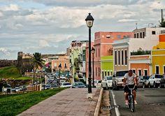 San Juan, Puerto Rico es una hermosa ciudad llena de los puertorriqueños y los viajeros. La ciudad cuenta con hoteles, museos, restaurantes, mercados al aire libre, y tantas cosas divertidas. Tengo fue a Puerto Rico dos veces con mi familia y voy este verano en un barco de crucero. Hicimos explorado muchos playas, bosques y la ciudad de San Juan.
