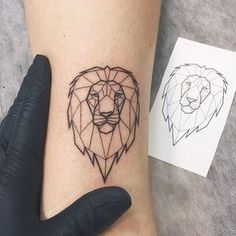 Tattoo Meaning – Lion Tattoo Ideas for Men and Women with Photos Incredible Geometric Lion Tattoo Ideas. Find more on Incredible Geometric Lion Tattoo Ideas. Leo Tattoos, Animal Tattoos, Body Art Tattoos, Small Tattoos, Mini Tattoos, Temporary Tattoos, Easy Tattoos, Tatoos, Lion Tattoo Meaning