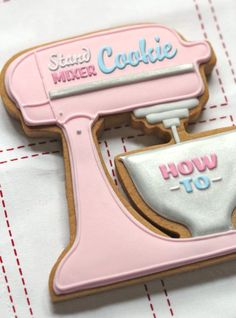 Stand Mixer Cookie Tutorial on ~ Marian Poirier ~ Kitchenaid Fancy Cookies, Iced Cookies, Cut Out Cookies, Cute Cookies, Royal Icing Cookies, Cookies Et Biscuits, Cupcake Cookies, Sugar Cookies, Baking Cookies