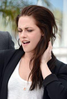 """Pin for Later: Ja, Kristen Stewart kann sehr wohl mehr als nur einen Gesichtsausdruck machen Die """"Ich bin gerade aufgestanden"""" Szene"""
