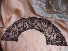 Dentelle Fuseau Chantilly Ombrée Feuille D'Eventail Antique Bobbin Lace Fan Leaf | eBay