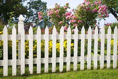 how to build a picket fence.