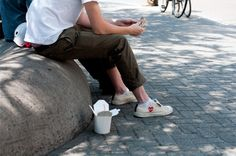 Discover recipes, home ideas, style inspiration and other ideas to try. Cdg Converse, White Chucks, Comme Des Garcons, Me Too Shoes, Mens Fashion, Summer 2015, Spring Summer, Daily Inspiration, Men's Style