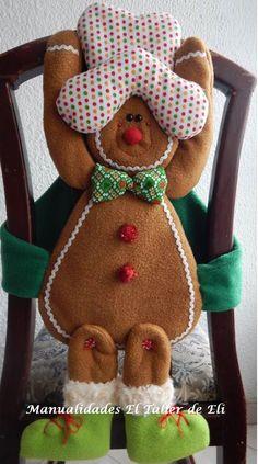 Cubresillas navideño patas largas. Manualidades El Taller de Eli. Christmas Clay, Christmas Time, Merry Christmas, Christmas Ornaments, Gingerbread Man, Gingerbread Cookies, Christmas Decorations, Holiday Decor, Diy And Crafts