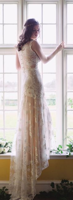 Lovely Cheyenne lace wedding gown from Romantique by Claire Pettibone, Photo: Jade Osborne https://romantique.clairepettibone.com/collections/into-the-sunset-lace-wedding-dresses/products/cheyenne-in-ivory