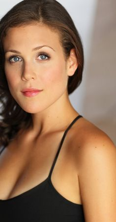 Erin Krakow, Actress: When Calls the Heart. Erin Krakow was born in Philadelphia, Pennsylvania, USA. She is an actress, known for When Calls the Heart (2014), A Cookie Cutter Christmas (2014) and Chance at Romance (2013).