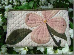 Дом с видом: Косметичка с цветком. Дизайн Yoko Saito.