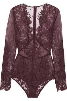 Burgundy Chantilly lace and stretch-tulle Concealed zip fastening along back, snap fastenings at base 60% polyamide, 40% cotton Machine washSmall to size. See Size & Fit notes.