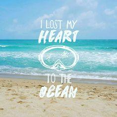 У нас тут конечно не океан а всего лишь Сиамский залив. Но потерять свое сердце здесь тоже просто :) Хотите отпуск в домике у моря? Пишите подберем :) #aboutsamui #thailand #samui #эбаутсамуи #самуи #таиланд #beach #motivation #sea #waves #мотивация #пляж #море #скалы