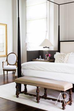 Beautiful Nashville Estate Featured in Elle Decor — Alyssa Rosenheck — The New Southern Dream Bedroom, Home Decor Bedroom, Bedroom Furniture, Bedroom Ideas, Master Bedroom, Bedroom Ottoman, Tranquil Bedroom, Light Bedroom, Budget Bedroom