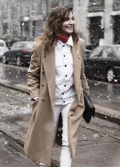 Get Inspired / Ece Sukan in all white and cream, with a hint of red