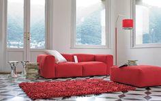 Feeling divano rosso di Linea Italia.