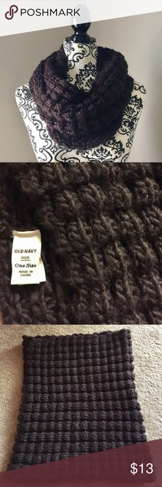 Old Navy chocolate brown knit infinity scarf Old Navy chocolate brown winter infinity scarf. 100% acrylic - incredibly soft and comfortable. Gently worn 3-4x, washed, and laid flat to dry. Good condition with lots of life left! Old Navy Accessories Scarves & Wraps