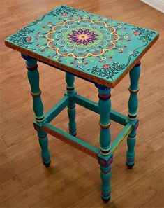 Bohemian floral mandala table #Mandalas #Decoración